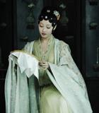蒋梦婕饰演少年黛玉