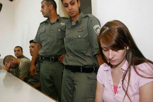 公狗操女人公媳乱伦的故事_以色列乱伦公媳遭逮捕 怀疑其四岁女童遇害(图)